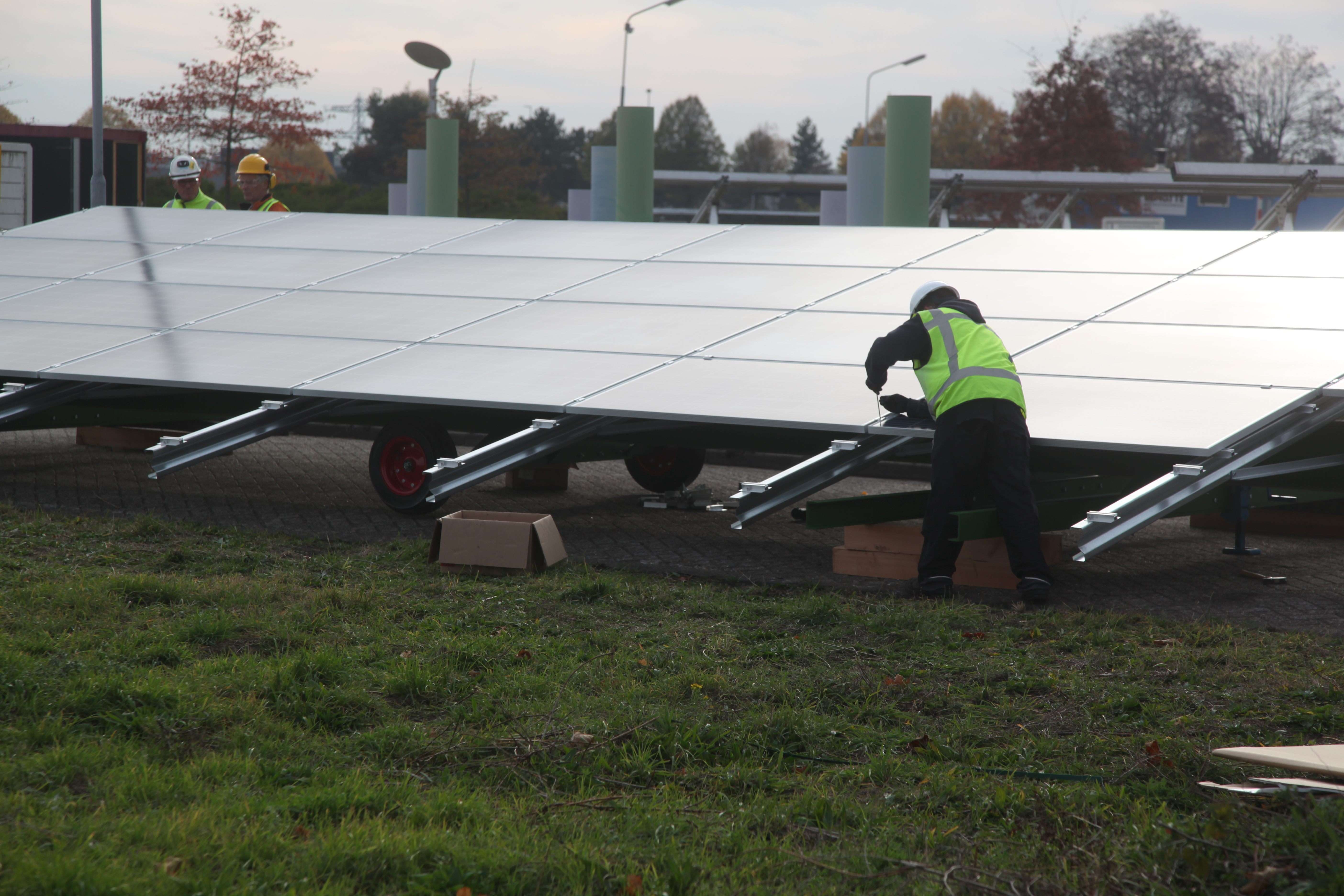 PowersPlus levert 4 Mobile Solar Units aan Engie